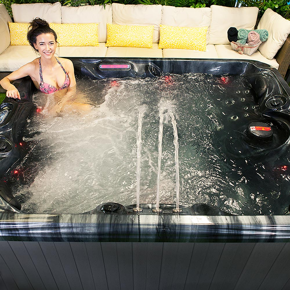 Chaser II - 5 Person Hot Tub Lifestyle image
