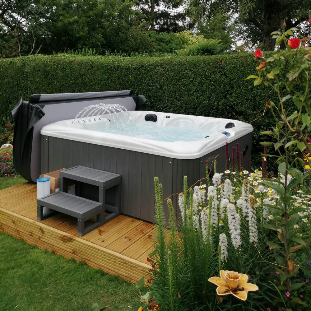 Europa - 6 person hot tub - 13AMP with 2 Stormforce 9™ Jet Pumps